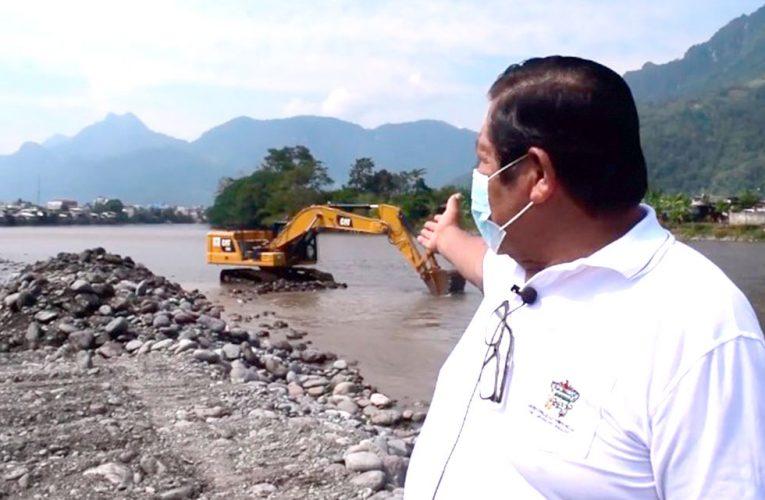 Descolmatan el río Huallaga para evitar desbordes