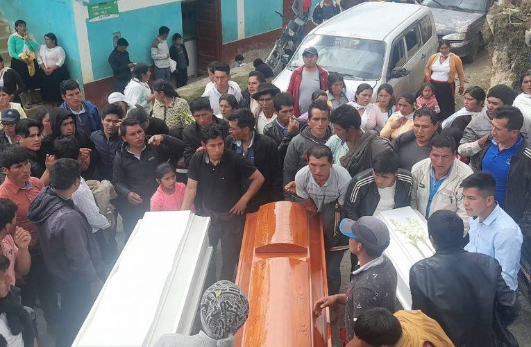 Dan último adiós a madre y sus hijos que murieron en incendio